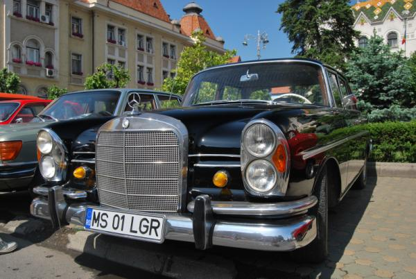 Mercedes Benz 220S Automatic